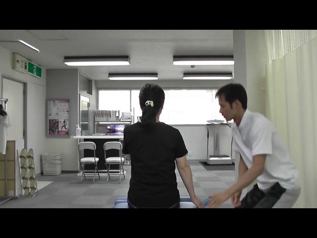 【施術動画】首の回旋で右を向きにくい 母指球筋を使って筋膜リリース