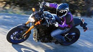 10. 2014 Yamaha FZ-09 - Triple-Cylinder Shootout Part 2 - MotoUSA