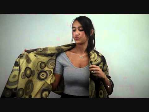 How to Tie a Scarf: Crossed Shawl