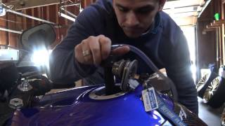 Download Video Yamaha R1 how NOT to drain your gas MP3 3GP MP4