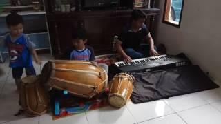 Video INDAH PADA WAKTUNYA BY: RIZAL ROCHIMAT MP3, 3GP, MP4, WEBM, AVI, FLV April 2019