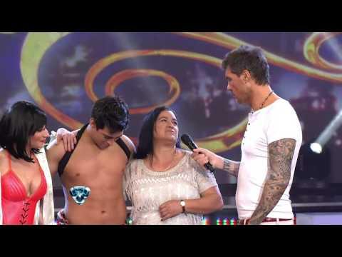 Showmatch 2012 - La mamá de Jorgito Moliniers conoció a Hugo Ávila