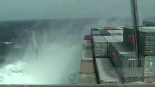 Video Stress and effect on a vessel in severe weather conditions MP3, 3GP, MP4, WEBM, AVI, FLV Agustus 2018