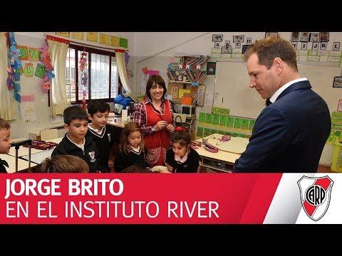 Jorge Brito visitó las instalaciones del Instituto River Plate