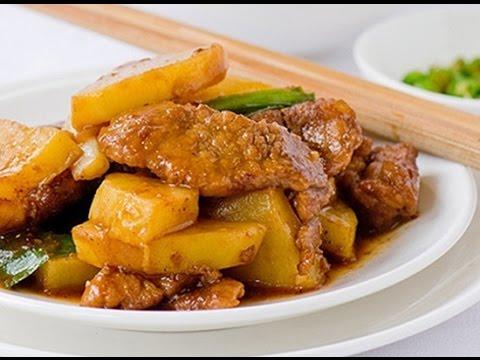 Mách nhỏ cách làm thịt heo xào khoai tây thơm ngon đúng điệu