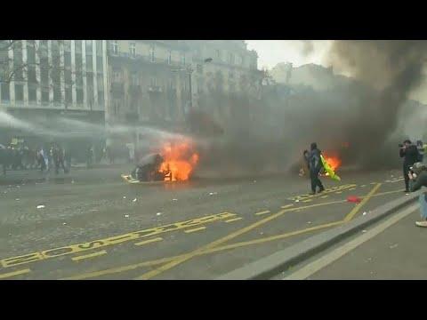 Γαλλία: Νέα επεισόδια μεταξύ αστυνομίας και Κίτρινων Γιλέκων…