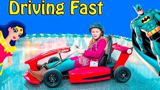 ASSISTANT Super Fast Racing New Toys + Batman and Wonder Woman...