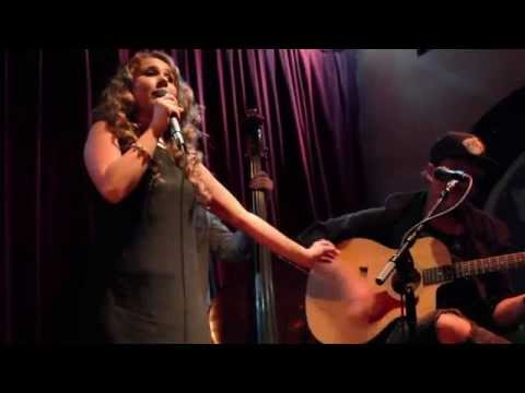 Video Haley Reinhart -