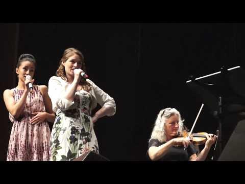 Stig Rossen, Linda Oloffson og Frederikke Kampmann synger I FEEL PRETTY  (Olinerne)