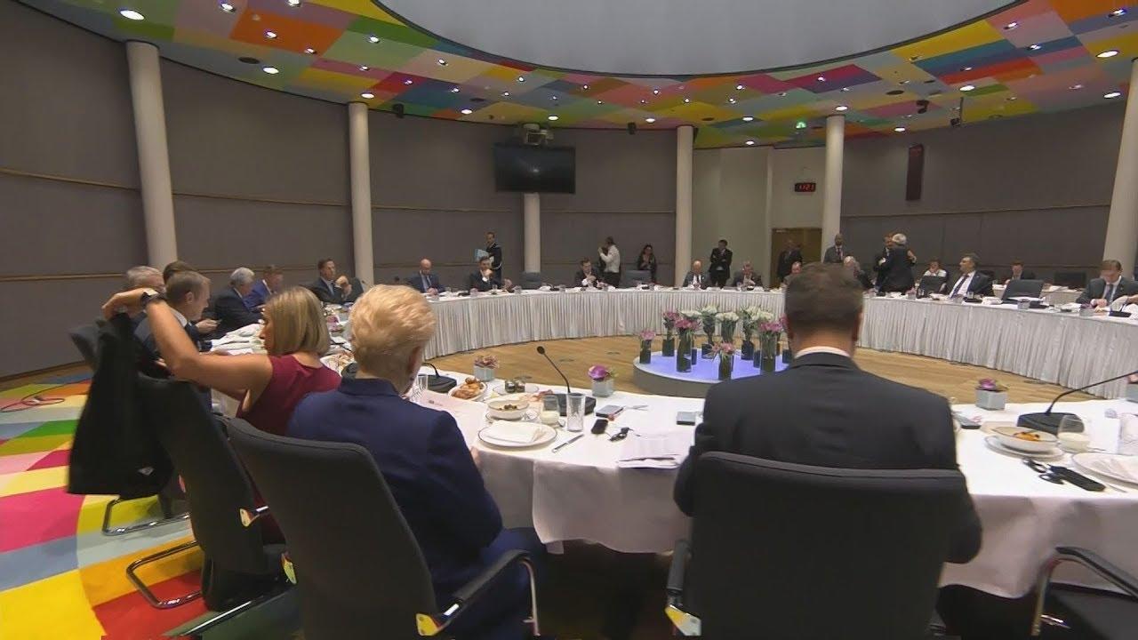 Εσωτερικά πλάνα από την δεύτερη ημέρα της Συνόδου  Κορυφής για το μεταναστευτικό