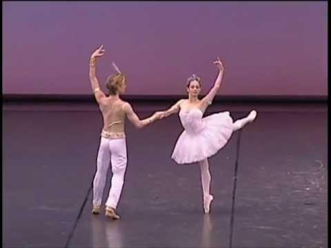 ダニール・シムキン 第12回世界バレエフェスティバルの模様をお届け
