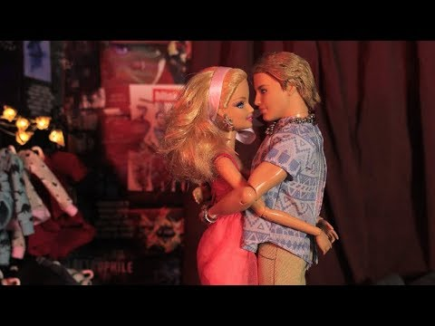 Virginity - A Barbie Parody In Stop Motion *FOR MATURE AUDIENCES*