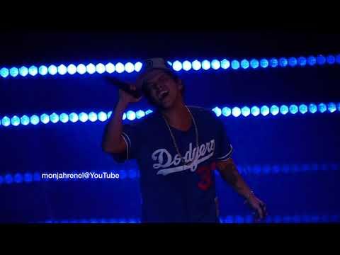 When I Was Your Man - Bruno Mars [24K Magic Tour Manila 2018] (видео)