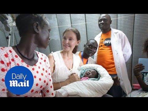 Ashley Judd visits war-torn South Sudan as UN ambassador - Daily Mail
