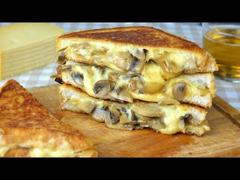 Lunch Ideas: Mushroom, Onion and Cheese Sandwich