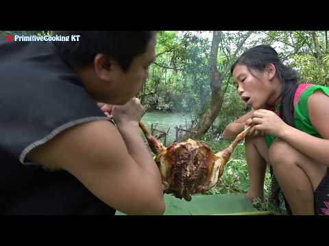 Primitive Technology - Catch Big Chicken By Deep Hole And Cooking Chicken - Eating Delicious