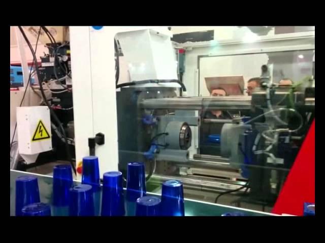 MILACRON | ELEKTRON Tüm - Elektrikli Enjeksiyon Makinesi Plasteurasia 2014 Plastik Bardak Uygulaması
