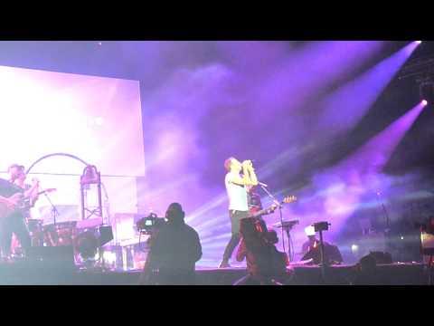 Coldplay - Viva la vida singalong - Live at Arras mainsquare festival - 3/7/11