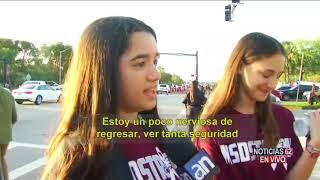 Estudiantes regresan a clase después de la masacre- Noticias 62 - Thumbnail