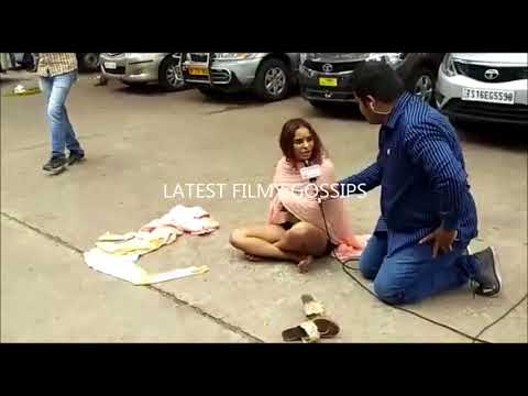 Video Sri Reddy dress removing viral video download in MP3, 3GP, MP4, WEBM, AVI, FLV January 2017