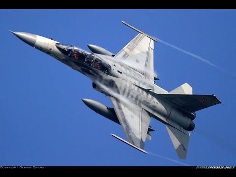 在美方遲遲不對售台F-16C/D戰機表態,中國又積極換裝新式戰機情形下,台海空防已嚴重失衡,軍方決定自行研造第三代戰機。國防部今向立院外交國防委員會提出「四年期國防總檢討」的報告中指出,空軍將籌建具備匿蹤、空中加油、遠程,以及攜帶空射攻陸與攻船飛彈等能力的下一代戰機。 軍方在潛艦、第三代戰機等重大軍購案的態度,陸續傳出將從外購轉為國造,初估雄三飛彈等各項武器,加上國造潛艦和第三代戰機,國造武器預算總經費勢必超過六千億元。 立委林郁方表示,台灣在潛艦和第三代戰機決心要自行研發,也是因為美國越來越不願協助台灣維繫台海安全,兩岸雖然要和解,但從共諜案一再爆發來看,可見中共謀台之心,台灣為了求生存,必須自己對於空軍決定國造第三代戰機,是否意味已排除向美採購F-16C/D戰機?國防部軍事發言人羅紹和昨晚表示,空軍已有一百四十五架F-16A/B戰機性能提升案,國防部將持續評估先進戰機需求,F-16C/D或性能更加的機型仍可能是採購選項。建立國防能量,潛艦和戰機改國造。 據了解,由於F-16A/B戰機性能提升案要耗資一千一百億元預算,為期長達十二年,加上空軍還有「高級教練機採購案」將花費八百億元,且F-16C/D戰機生產價格連年飆漲,採購六十六架F-16C/D的預算目前就已飆破三千億元大關,軍方內部評估,以目前國防預算緊縮,加上推動募兵制所擴增的人員維持費等因素,台灣已「買不起」F-16C/D戰機。此外,中科院方面將研製「天劍三型」長程空對空飛彈,進一步增加射程和多目標接戰能力,以提升未來第三代戰機的視距外接戰能力。 過,國造武器並非立即可達成的目標,今年度的國防預算書中仍顯示,未來五至十年,台灣對美軍購還有將近五千億元台幣的採購計畫將持續進行,包括愛國者三型飛彈採購以及愛國者二型飛彈性能提升共一千八百億元;一四○餘架F-16A/B戰機性能提升要價近一千一百億元;六十架黑鷹直升機採購約八五○億元;三十架AH-64阿帕契攻擊直升機約六百億元;十二架P-3C反潛機約五百億元。 未來在國造武器裝備部分,據指出,包括經國號戰機性能提升經費達到一七○億元、國造雷霆兩千型多管火箭為一三二億元、雄三反艦飛彈一一八億元,加上政策宣示將以國造為主的六艘掃雷艦三五八億元,合計雖僅有七百多億元,但若加上國造潛艦和第三代戰機所需至少要五千億元,國造武器預算經費數字勢必超過六千億元。(自由時報2013年3月13日)  註:本文所稱之「三代戰機」應是現今所稱的「第四代戰機」。「第四代戰鬥機」於1970年代陸續服役,這些飛機吸收第三代戰鬥機設計與使用上的經驗,加上諸多空中衝突與演習顯示出來的問題和需求,融合之後成為冷戰結束前後最主要的角色。美國曾很長時間稱呼這類戰機為「第三代戰機」,不少中文媒體也延續「第三代戰機」的稱呼。(維基百科)