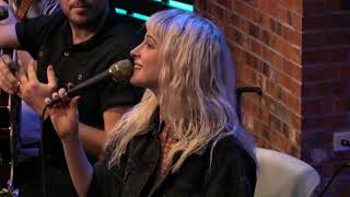 """Video Paramore Interview: """"Expressing Your Emotions/Getting Help"""" MP3, 3GP, MP4, WEBM, AVI, FLV Oktober 2018"""