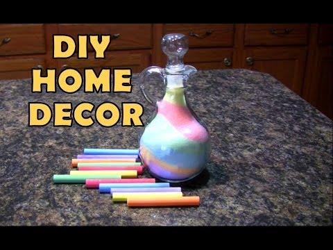 DIY Inexpensive Home Decor Ideas: Salt & Chalk Colorful Glass Vase
