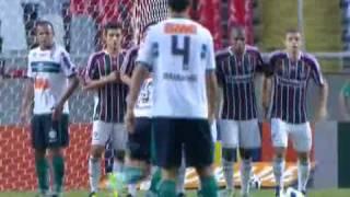Fred inspirado faz tres gols e Fluminense vence o Coritiba.