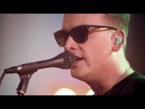 Matt Skiba & Alkaline Trio: Radio (Live @ Guitar Cent ...
