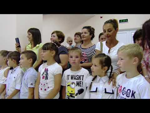 Igor Dodon a oferit ghiozdane și rechizite școlare la circa 100 de copii din Găgăuzia care merg în acest an în clasa întîi