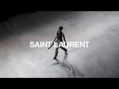 Saint Laurent Winter 2017 Collection Show