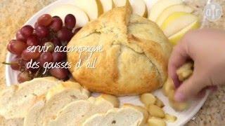 Brie en croûte aux oignons caramélisés et aux pommes