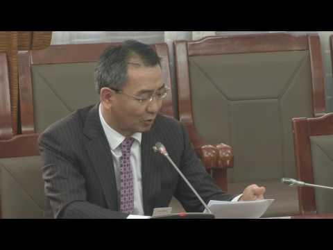 Л.Мөнхбаатар: Одоо алба хашиж байгаа төрийн албан тушаалтнуудад энэ хууль хэрхэн үйлчлэх вэ