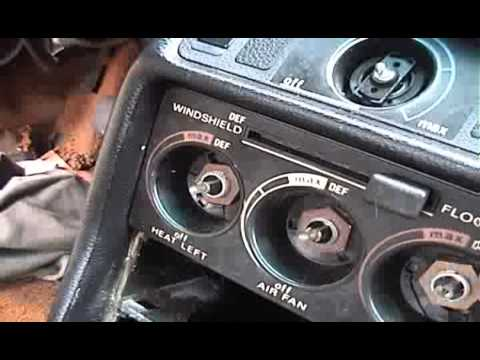 Mercedes-Benz W123 diesel – DIY: removing shifter and console