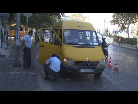 Έλεγχοι από την τροχαία σε σχολικά λεωφορεία