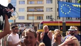 'Donald Tusk! 'Skanduje tłum przed Prokuraturą Krajową