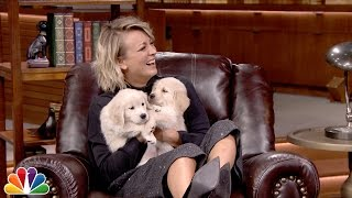 Video Pup Quiz with Kaley Cuoco-Sweeting MP3, 3GP, MP4, WEBM, AVI, FLV April 2018