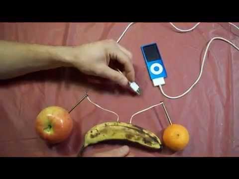 Cách sạc iPod bằng hoa quả