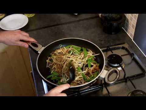 Quick Meals: Thai Recipes – Thai Chicken Noodles Recipe
