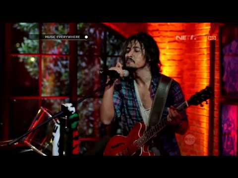 Video Ello - Bento - Tribute to Iwan Fals (Live at Music Everywhere) ** download in MP3, 3GP, MP4, WEBM, AVI, FLV January 2017