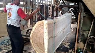 Video Cara belah kayu besar Menggunakan Band Saw / Benso MP3, 3GP, MP4, WEBM, AVI, FLV Agustus 2017