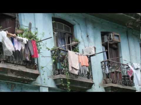 Balconies in Havana Balcones en La Habana Balcons à La Havane Balkons in Havana