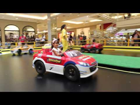 Minipista Stock Car no Shopping Anália Franco