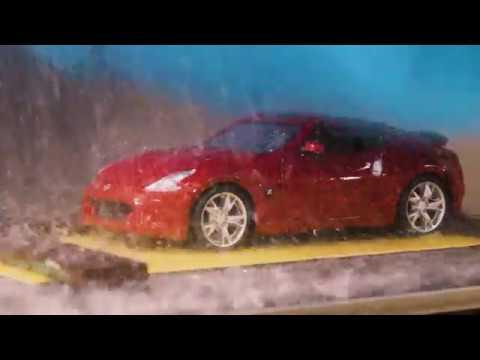 Nissan проверяет качество краски с помощью миниатюрной автомойки