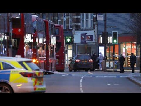 Λονδίνο: Επίθεση με μαχαίρι – Η αστυνομία πυροβόλησε τον δράστη…