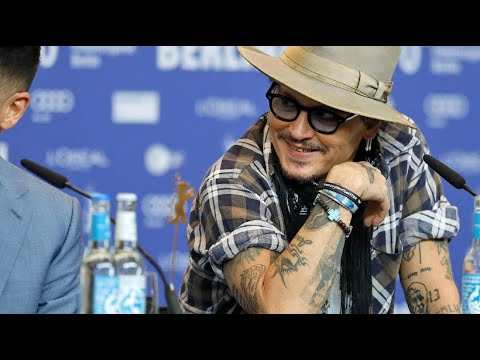 Berlinale: Johnny Depp stellt neuen Film »Minamata« vo ...