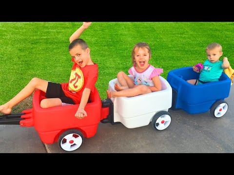 3 KIDS WAGON TRAIN!!! Step 2 Choo Choo Wagon to the Park + Fidget Spinners Banned From School