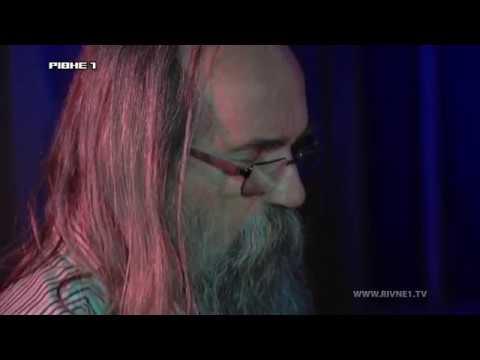 Найшвидший піаніст світу у Рівному: філософія життя Любомира Мельника [ВІДЕО]