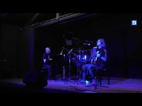 由Evelina Petrova(手风琴)执导的独特爵士乐作品