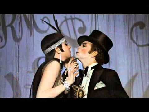 "Jimmy Steller Reviews ""cabaret"""